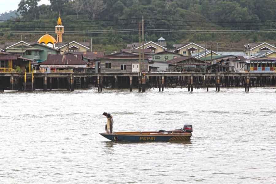 Kampong Ayer - Village of 30.000 stilted homes